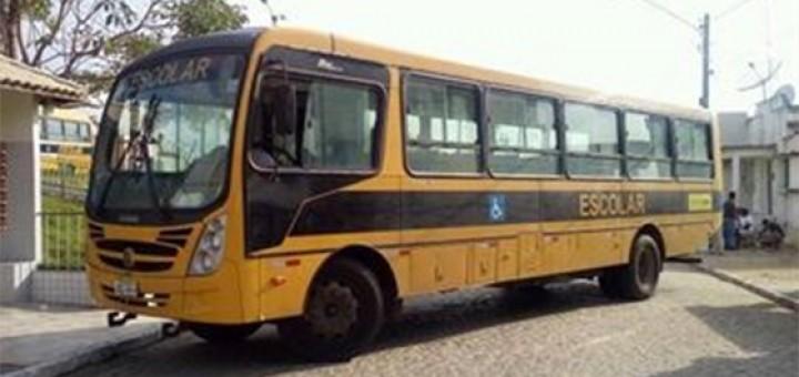 Assalto a ônibus escolar S Miguel de Taiou 30ago2016
