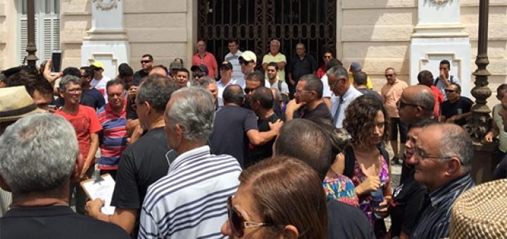 PMs manifestação em frente ao Palácio Redenção 6abr2017