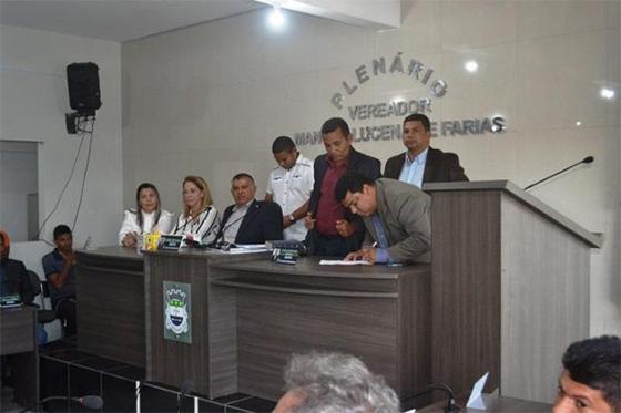 Resultado de imagem para alhandra já tem novo prefeito