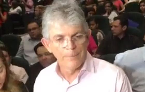 Ricardo Coutinho critica união das oposições