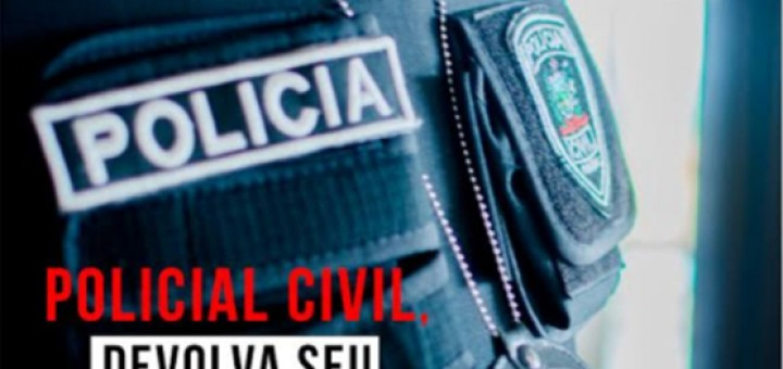 Policiais civis entregam coletes vencidos