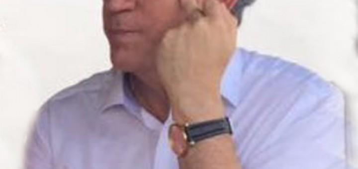 Ricardo Coutinho dando o dedo 2