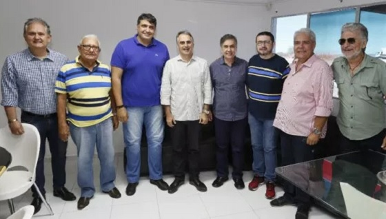 Lucélio recebe apoio de André Gadelha