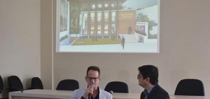 Marcos Vinicius apresenta nova sede ao MP