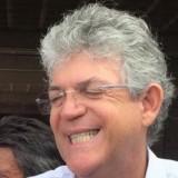 Ricardo-Coutinho-com-os-dentes-de-fora